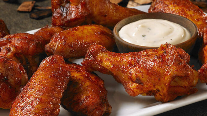 Hooters Serves Up New Smoked Wings